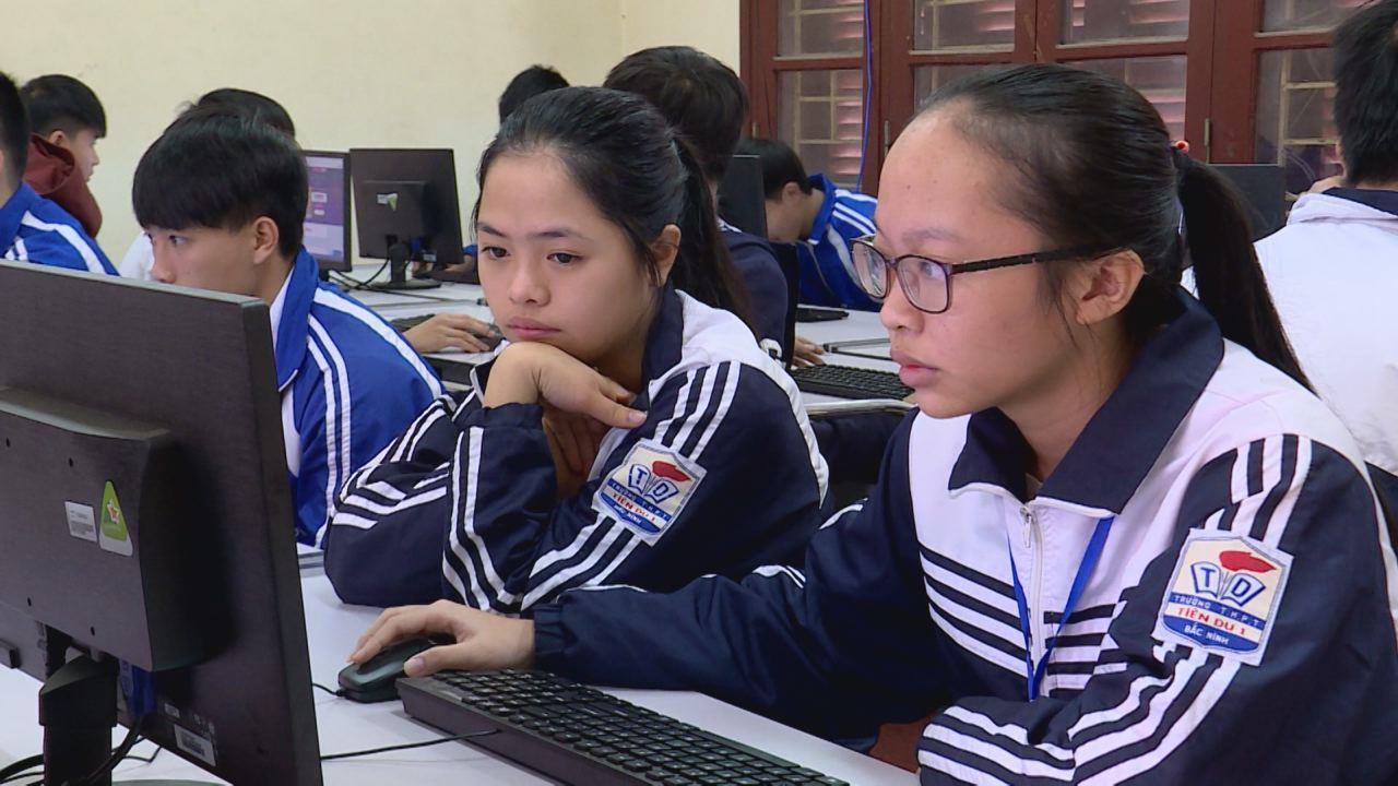 """""""Cô Luật gia tương lai"""" Cuộc thi trực tuyến tìm hiểu kiến thức pháp luật  dành cho học sinh THPT 2017"""