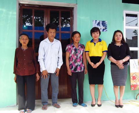 Năm 2017: Hội LHPN tỉnh trao 20 Mái ấm tình thương cho phụ nữ nghèo