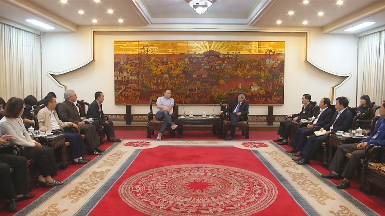 Chủ tịch UBND tỉnh Nguyễn Tử Quỳnh tiếp đoàn doanh nghiệp Đức