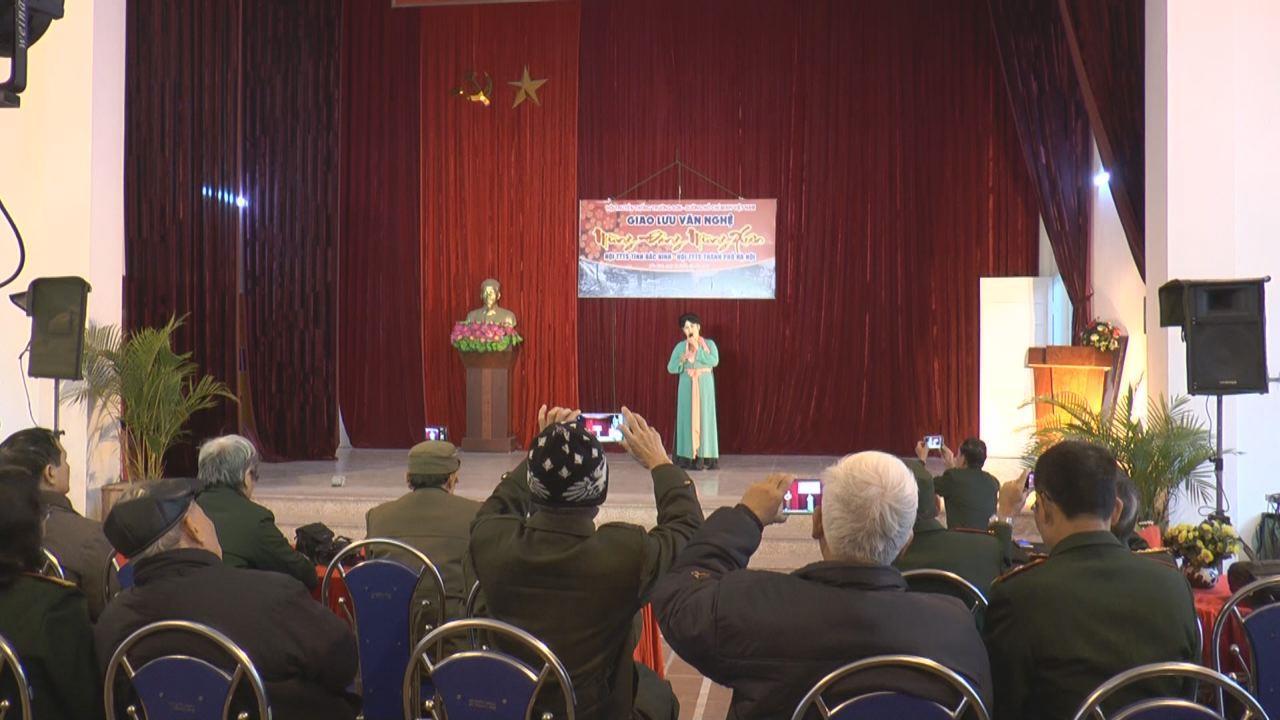 Câu lạc bộ nghệ thuật Hội truyền thống Trường Sơn tỉnh giao lưu nghệ thuật Mừng Đảng - Mừng xuân