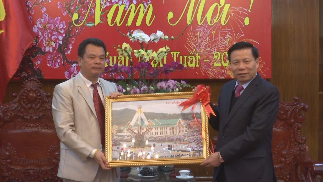 Đoàn đại biểu tỉnh Hủa Phăn (Lào) thăm và chúc Tết tỉnh Bắc Ninh