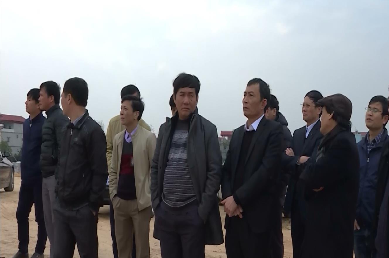 Phó Chủ tịch UBND tỉnh Nguyễn Văn Phong  kiểm tra tiến độ xây dựng Đền thờ Lý Thường Kiệt