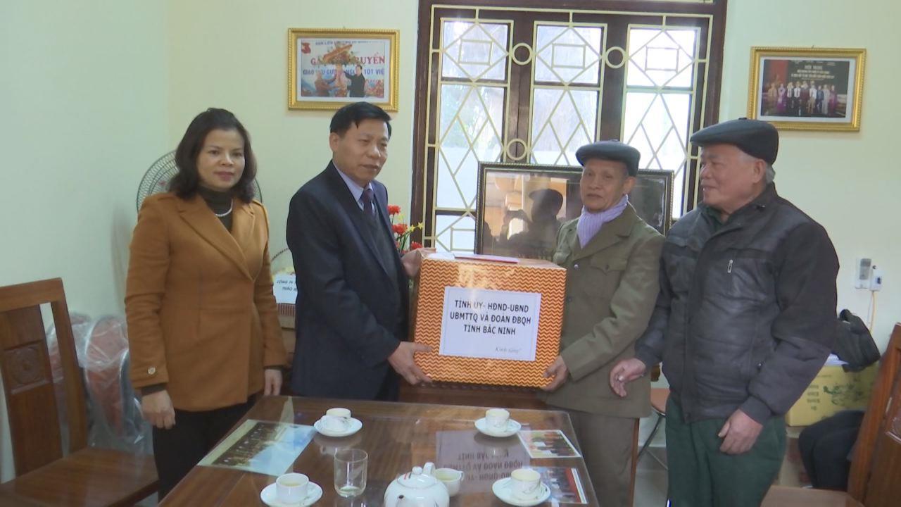 Bí thư Tỉnh ủy thăm và tặng quà Tết Hội Chiến sỹ cách mạng bị địch bắt tù đầy