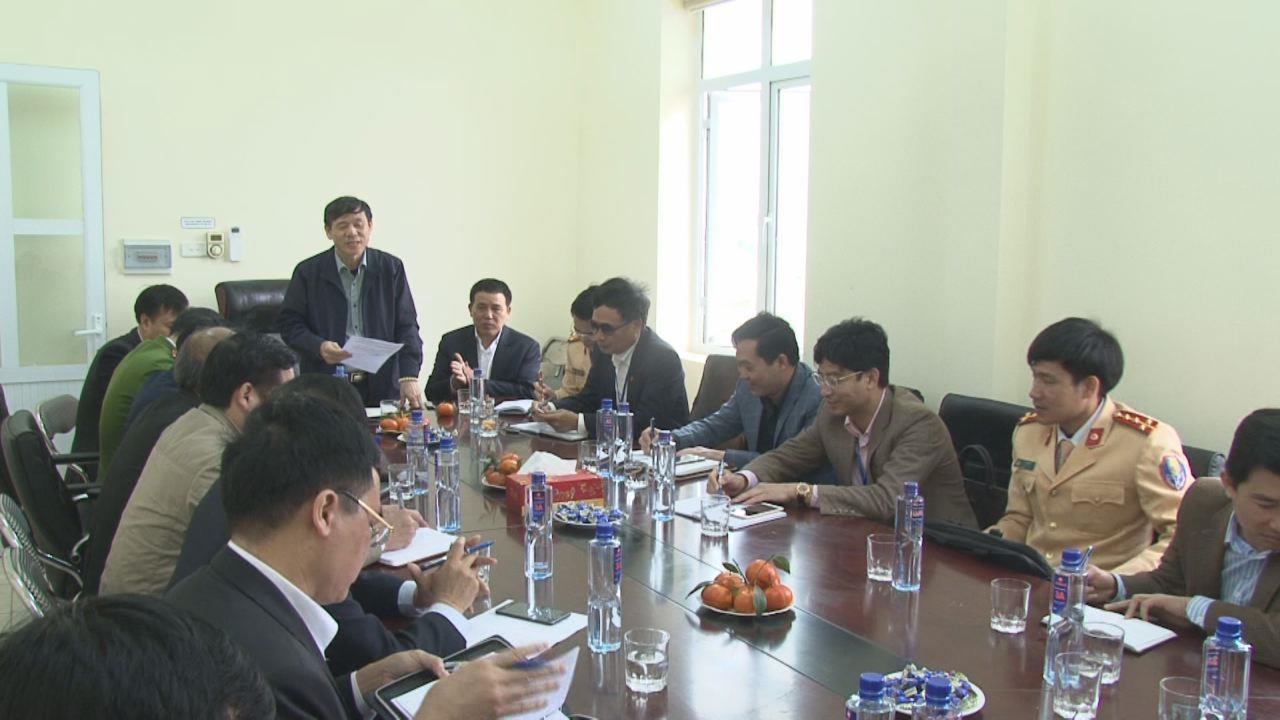 Phó Chủ tịch Thường trực UBND tỉnh Nguyễn Tiến Nhường  kiểm tra công tác chuẩn bị thu phí dịch vụ Quốc lộ 38