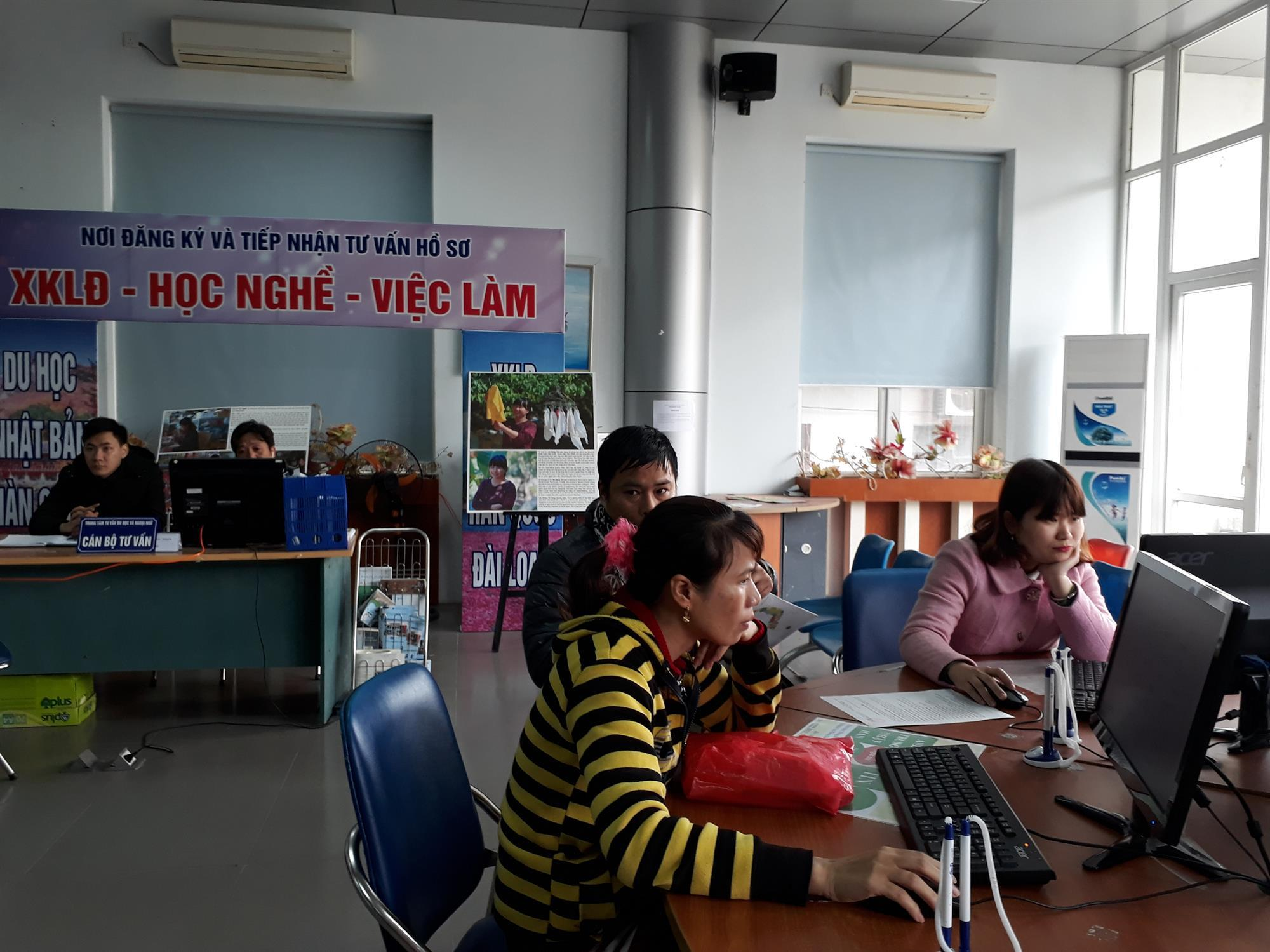Cơ hội cho lao động trẻ tại phiên giao dịch việc làm đầu năm