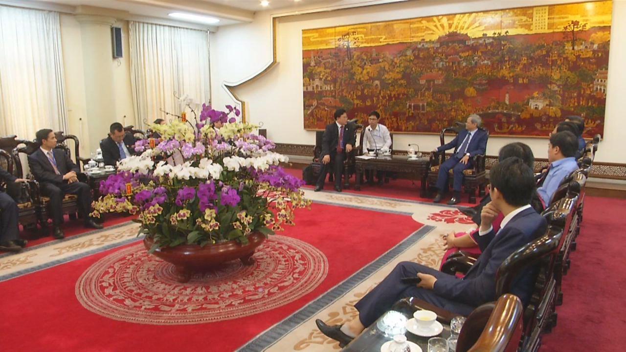 Lãnh đạo tỉnh tiếp đoàn đại biểu thành phố Lai Tân, Trung Quốc