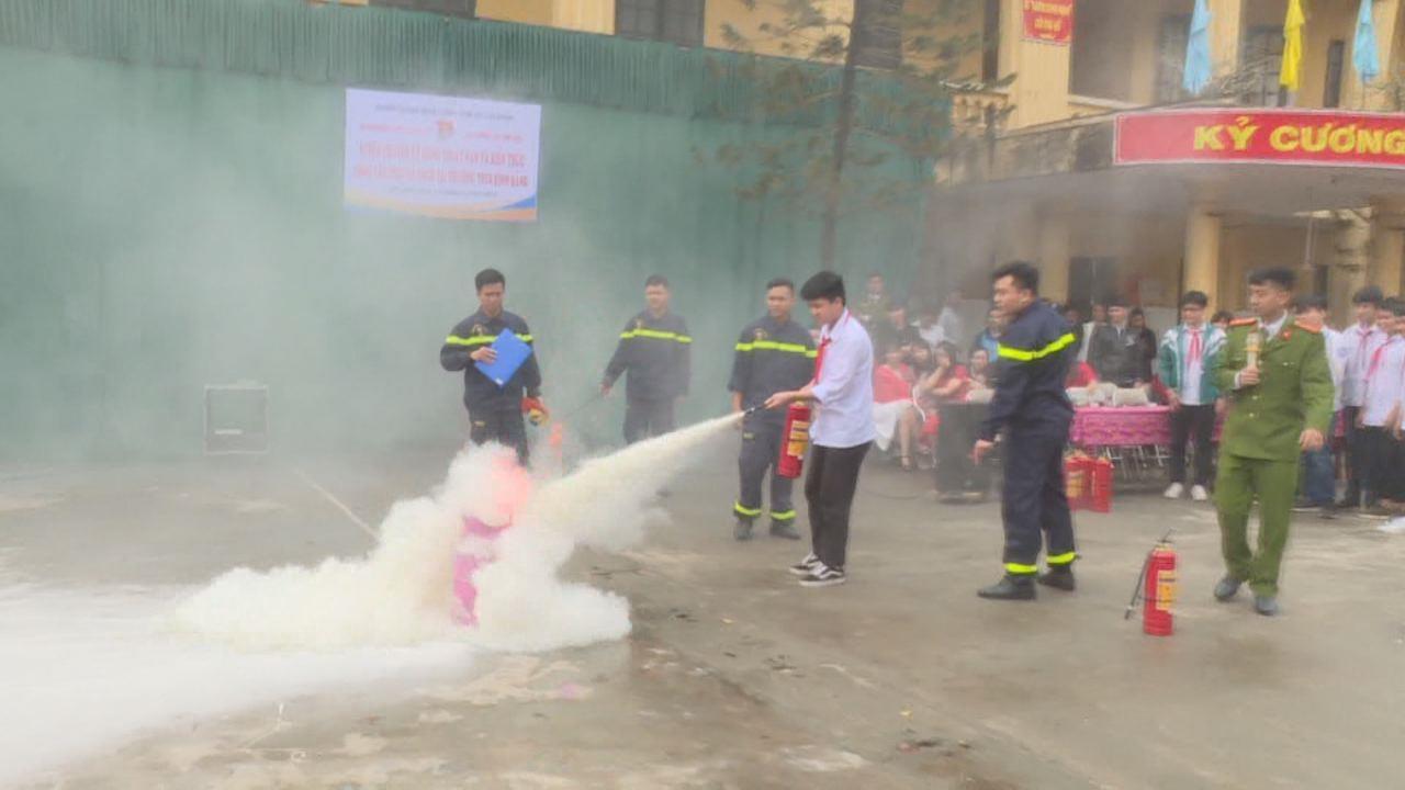Cảnh sát PCCC tỉnh tuyên truyền kỹ năng thoát nạn và cách xử lý khi có cháy xảy ra tại trường học