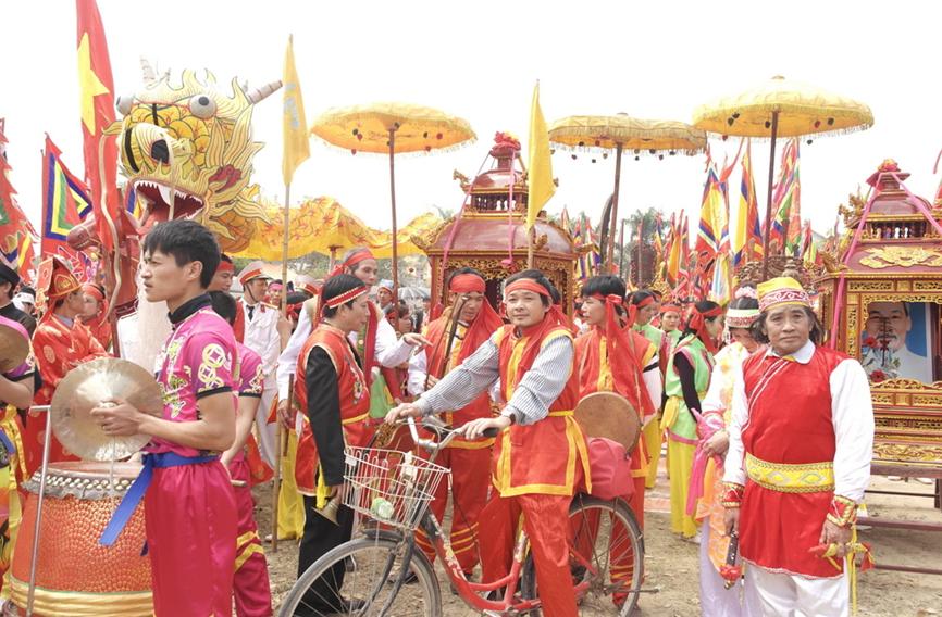 Lễ hội làng Diềm: Đến hẹn lại lên của người Quan họ