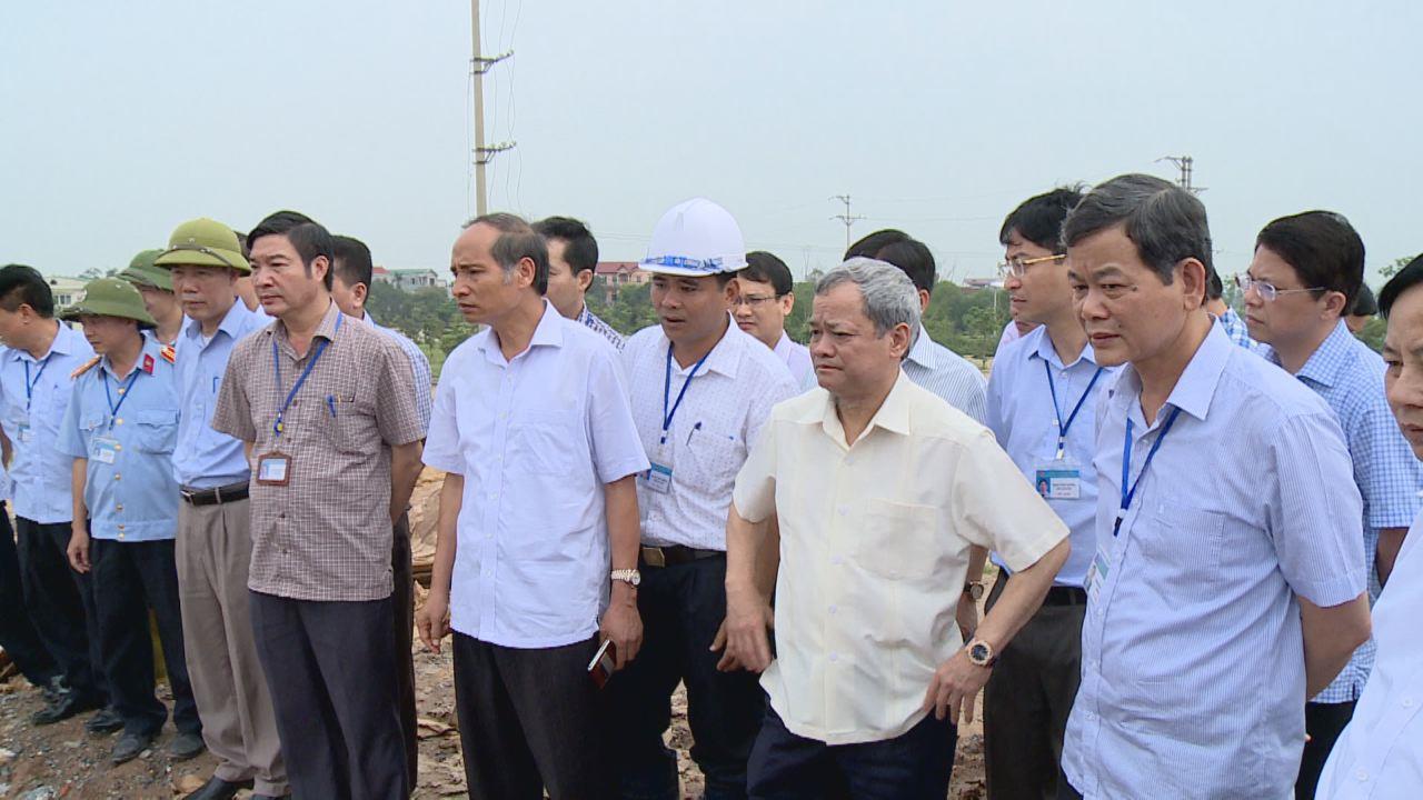 Chủ tịch UBND tỉnh kiểm tra công trình thủy lợi, đê điều phòng chống thiên tai