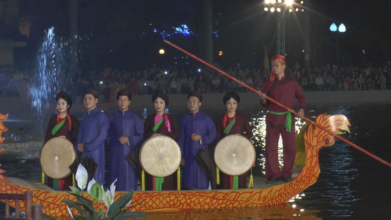 Ấn tượng và lan tỏa hát Quan họ trên thuyền