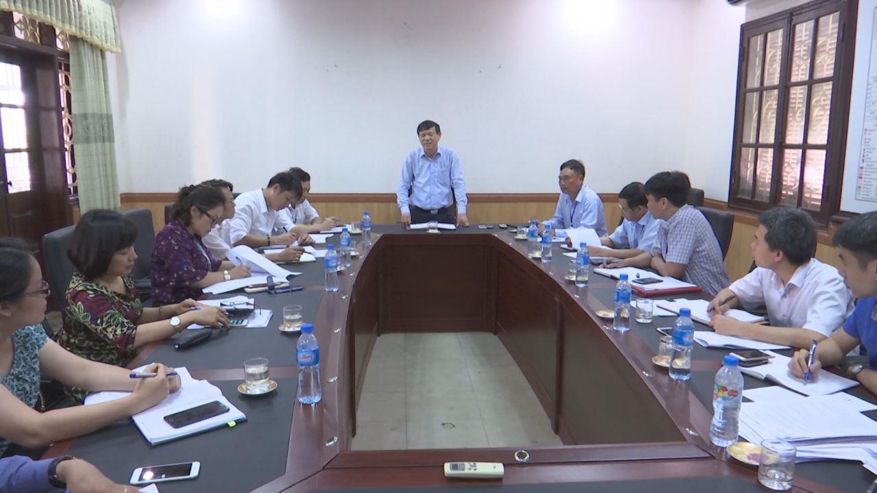 Phó Chủ tịch Thường trực UBND tỉnh Nguyễn Tiến Nhường làm việc với  Sở Giao thông vận tải về tình hình thực hiện các dự án đầu tư công