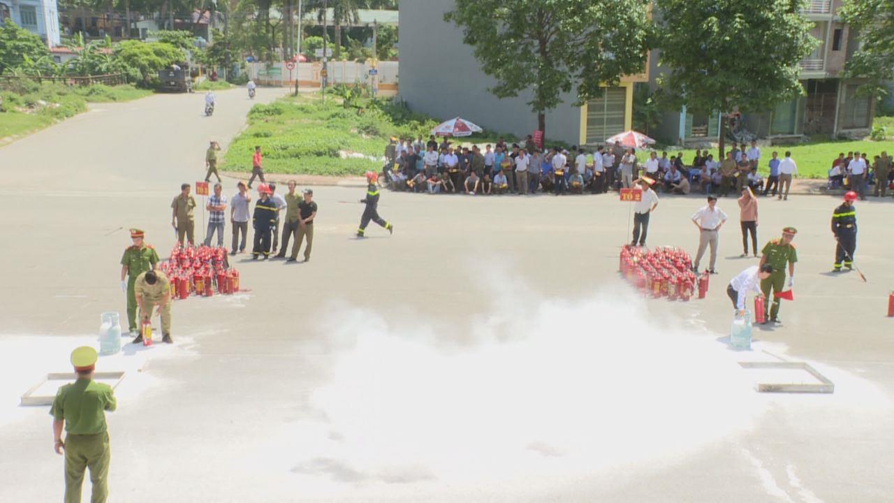 600 dân phòng toàn tỉnh được tập huấn Phòng cháy chữa cháy
