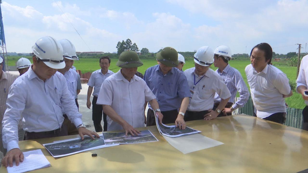 Chủ tịch UBND tỉnh kiểm tra một số dự án thi công, xây dựng trên địa bàn thành phố Bắc Ninh