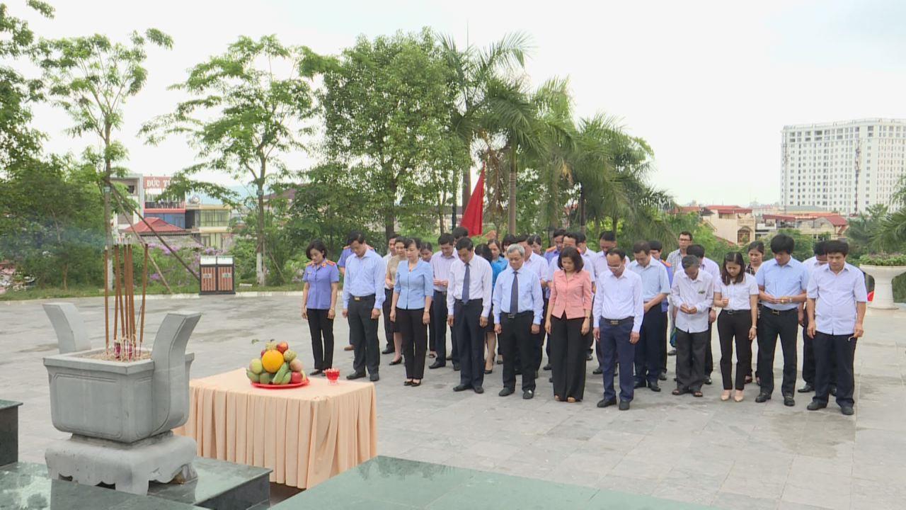 Dâng hương tưởng niệm 113 năm ngày sinh đồng chí Hoàng Quốc Việt