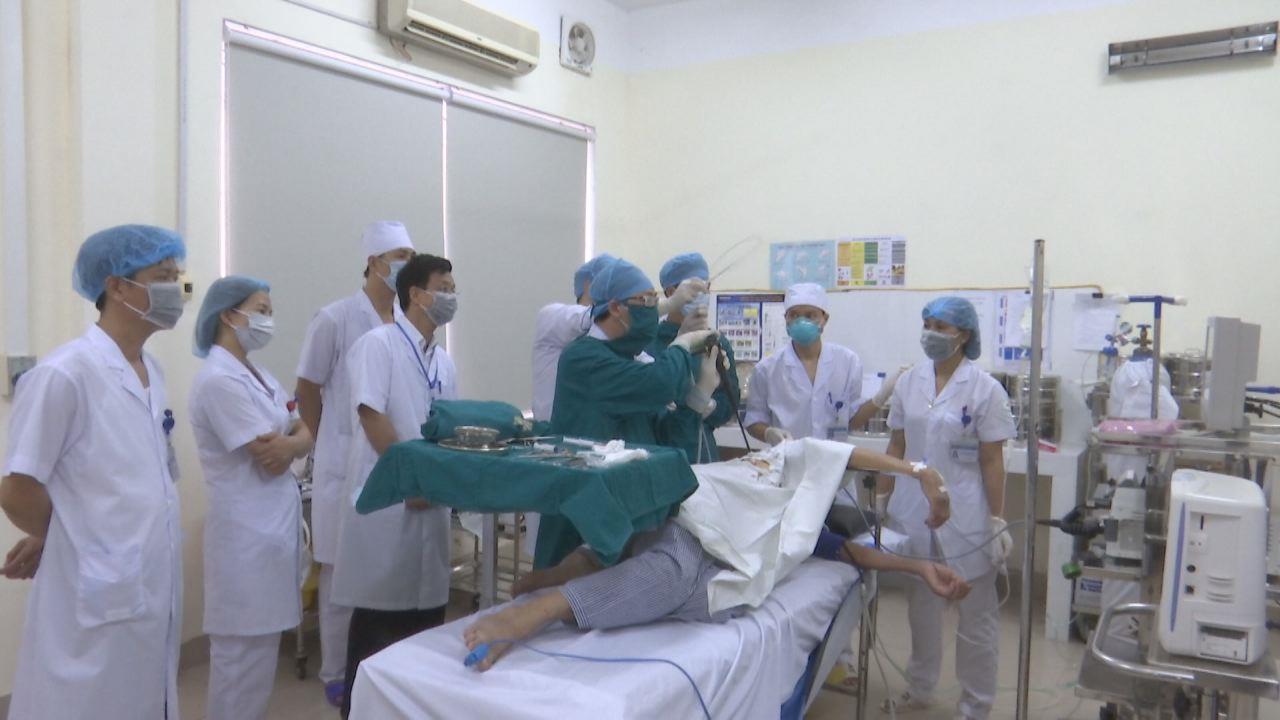 Bệnh viện Phổi Bắc Ninh tiếp nhận kỹ thuật nội soi màng phổi sinh thiết