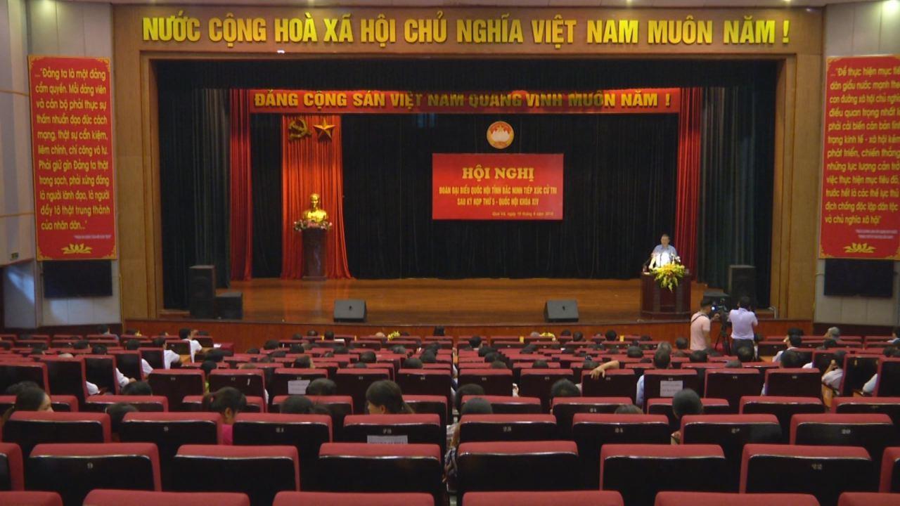 Đoàn Đại biểu Quốc hội tỉnh tiếp xúc cử tri  tại thành phố Bắc Ninh, huyện Quế Võ