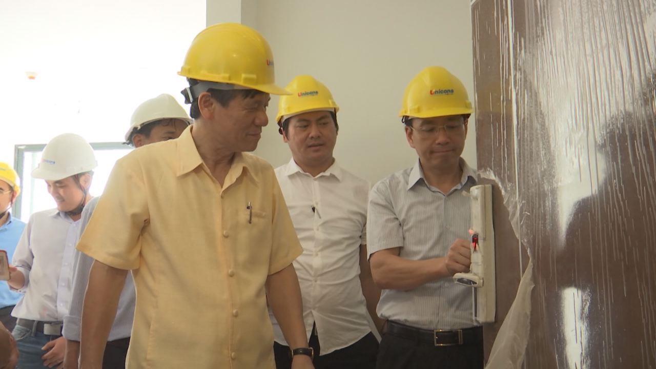 Phó Chủ tịch Thường trực UBND tỉnh giải quyết kiến nghị xây dựng dự án Tổ hợp trung tâm thương mại và căn hộ tại ngã 6
