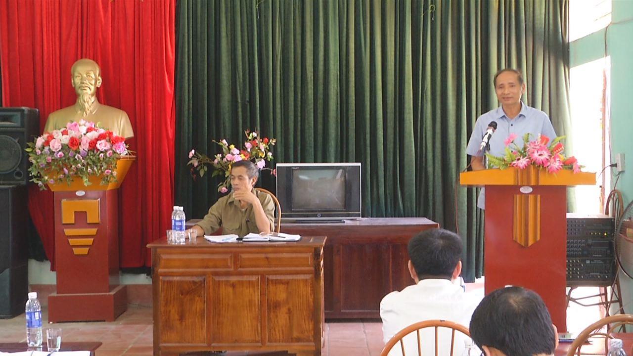Phó Chủ tịch UBND tỉnh Nguyễn Hữu Thành  dự sinh hoạt Chi bộ cơ sở tại huyện Tiên Du