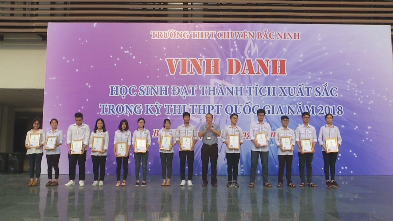 Trường THPT Chuyên Bắc Ninh vinh danh học sinh đạt thành tích xuất sắc kỳ thi THPT Quốc gia