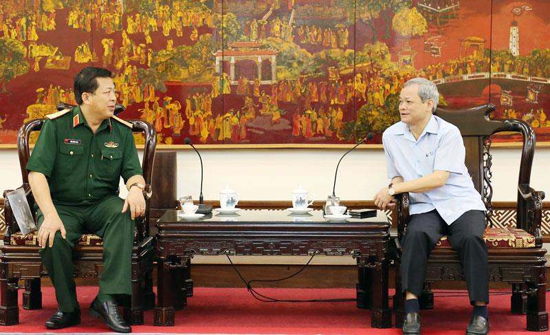 Chủ tịch UBND tỉnh tiếp và làm việc với Tư lệnh Quân khu 1