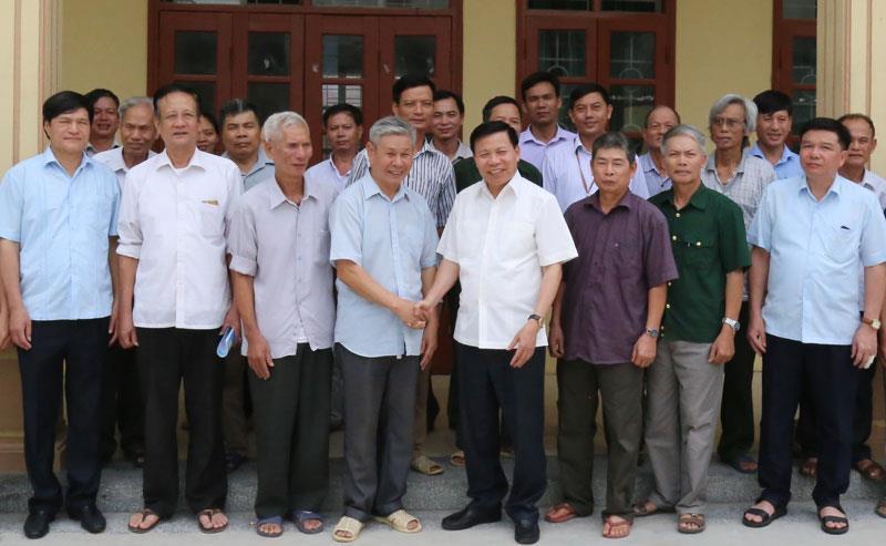Các đồng chí lãnh đạo tỉnh dự sinh hoạt Chi bộ tại một số địa phương