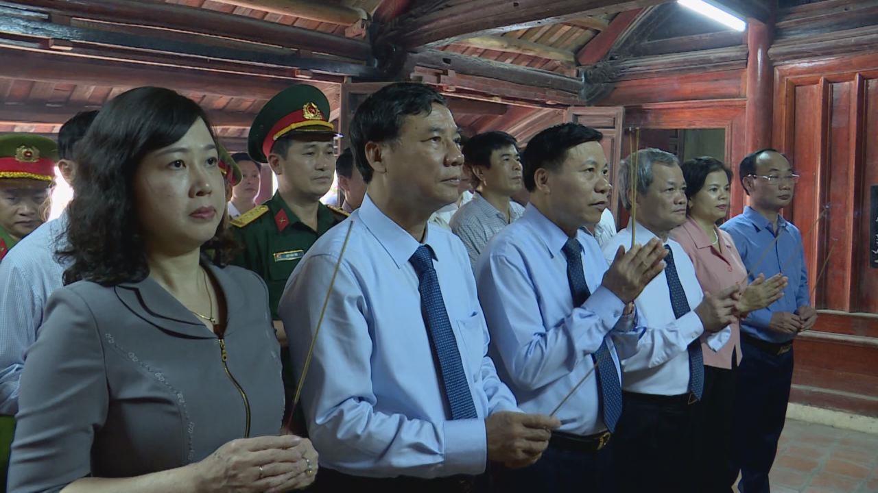 Lãnh đạo tỉnh dâng hương tưởng niệm đồng chí Lê Quang Đạo