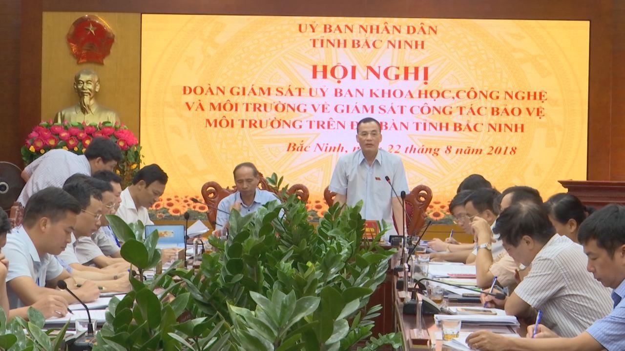 Đoàn giám sát của Ủy ban ban Khoa học, công nghệ và Môi trường làm việc tại làng nghề giấy Phong Khê, thành phố Bắc Ninh