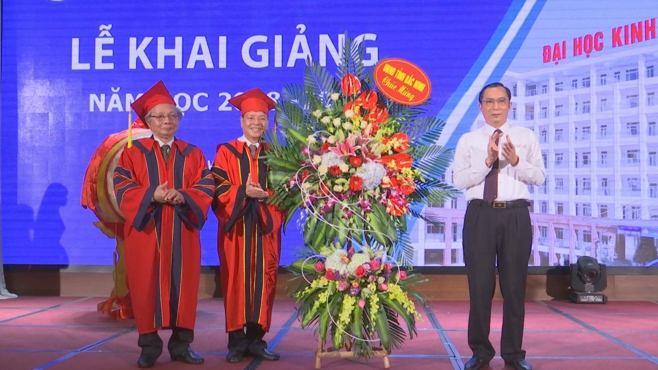Trường Đại học Kinh Bắc khai giảng và trao bằng Tốt nghiệp Đại học