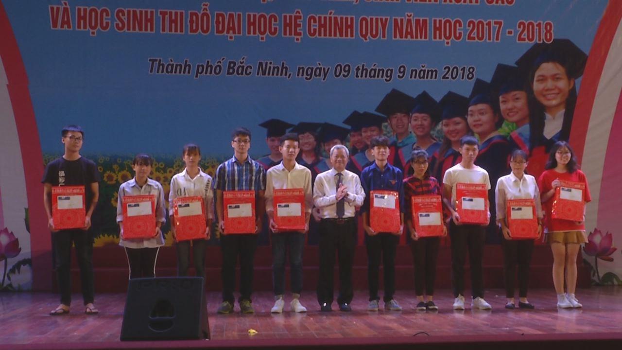 Thành phố Bắc Ninh tuyên dương giáo viên, học sinh có thành tích xuất sắc
