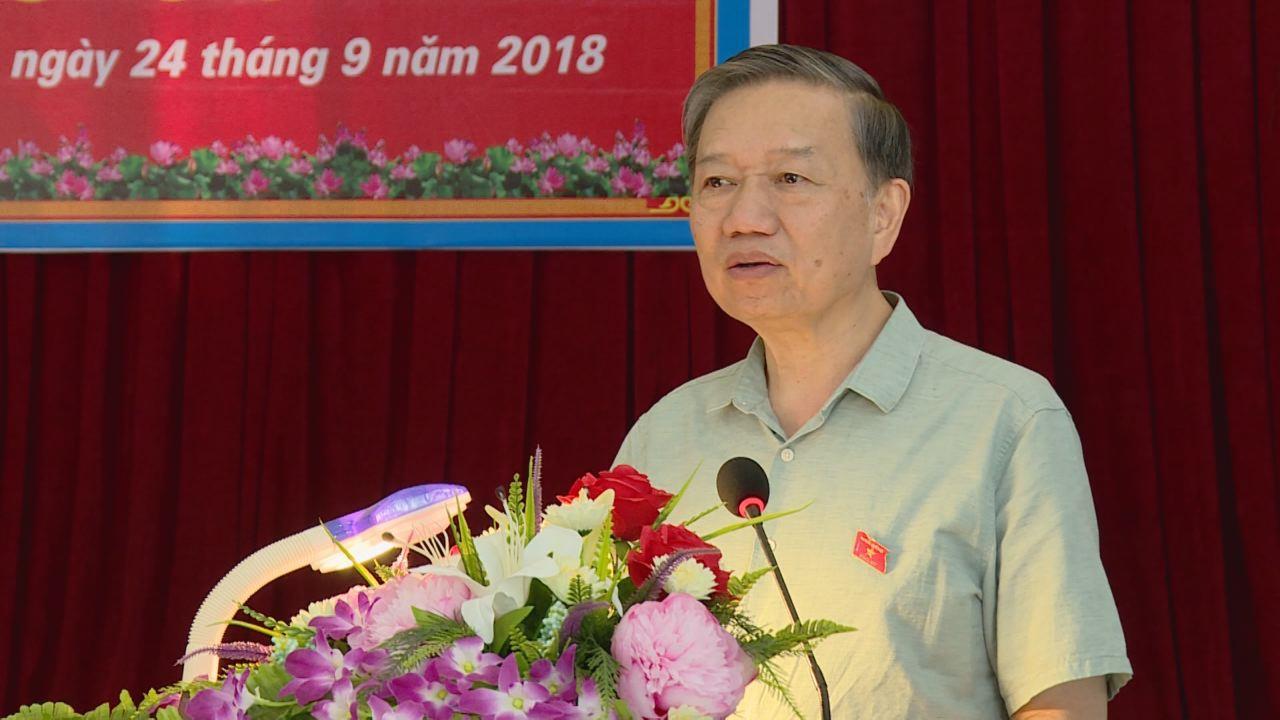 Đại biểu Quốc hội tiếp xúc cử tri chuẩn bị cho kỳ họp thứ 6, Quốc hội khóa XIV