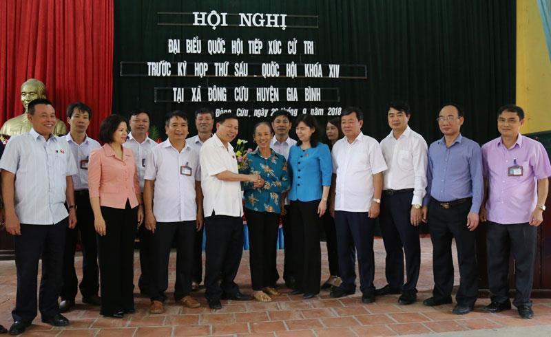 Đoàn ĐBQH tỉnh tiếp xúc cử tri xã Đông Cứu, Lãng Ngâm huyện Gia Bình