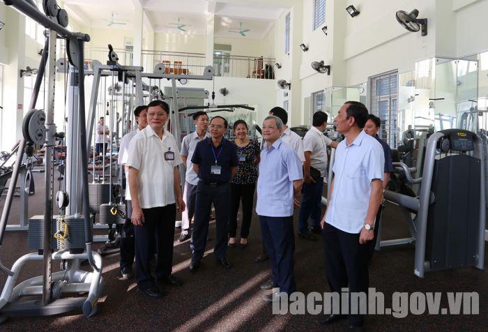 Chủ tịch UBND tỉnh Nguyễn Tử Quỳnh làm việc với Trung tâm Huấn luyện và thi đấu Thể dục thể thao tỉnh