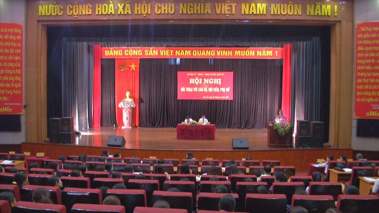 Đối thoại giữa người đứng đầu cấp ủy, chính quyền huyện Quế Võ với cán bộ, hội viên phụ nữ
