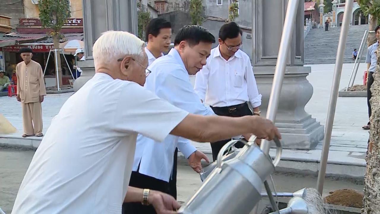 Bí thư Tỉnh ủy Nguyễn Nhân Chiến kiểm tra tiến độ trùng tu, tôn tạo Đền Bà Chúa Kho