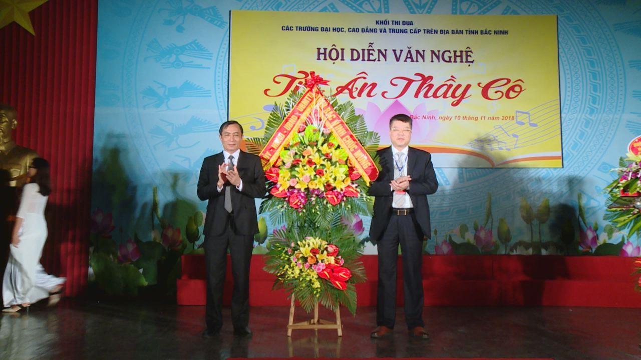 Khai mạc Hội diễn văn nghệ tri ân thầy cô nhân ngày Nhà giáo Việt Nam