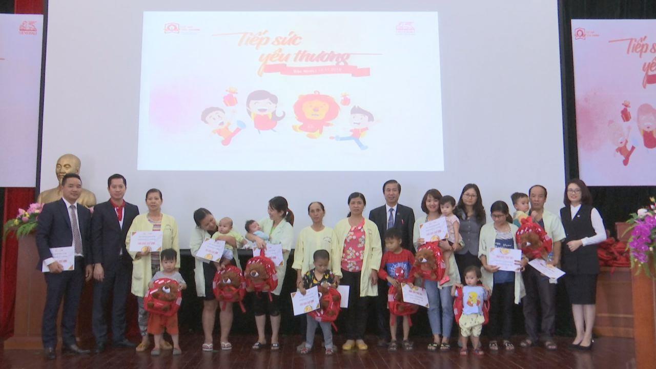 Generali Việt Nam tặng hợp đồng bảo hiểm ung thư, quà cho trẻ em khó khăn