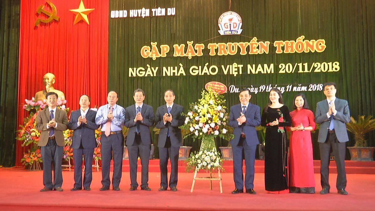 Huyện Tiên Du gặp mặt truyền thống ngày Nhà giáo Việt Nam