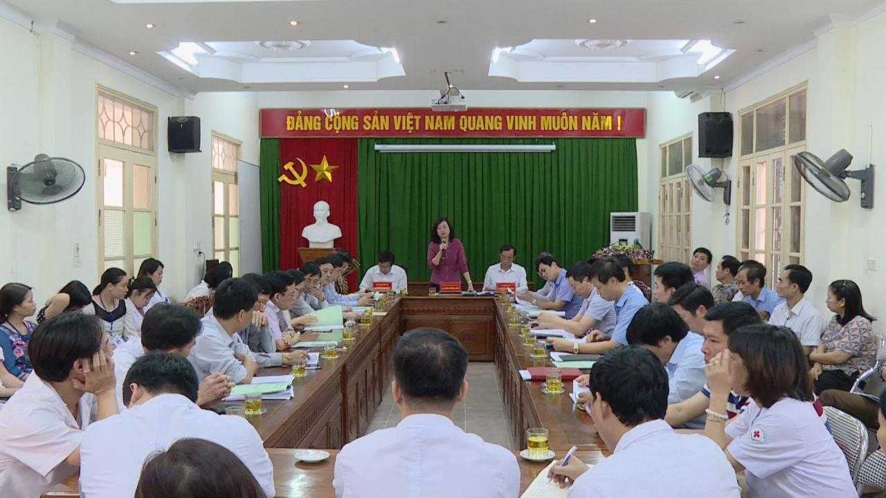 Lãnh đạo tỉnh thăm, làm việc tại Trung tâm Y tế thị xã Từ Sơn