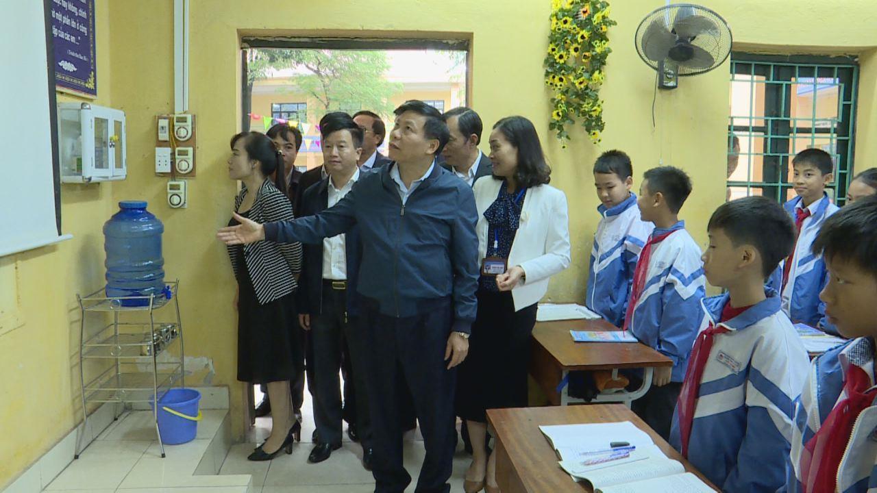 Bí thư Tỉnh ủy Nguyễn Nhân Chiến thăm, kiểm tra một số trường học tại thành phố Bắc Ninh và huyện Yên Phong