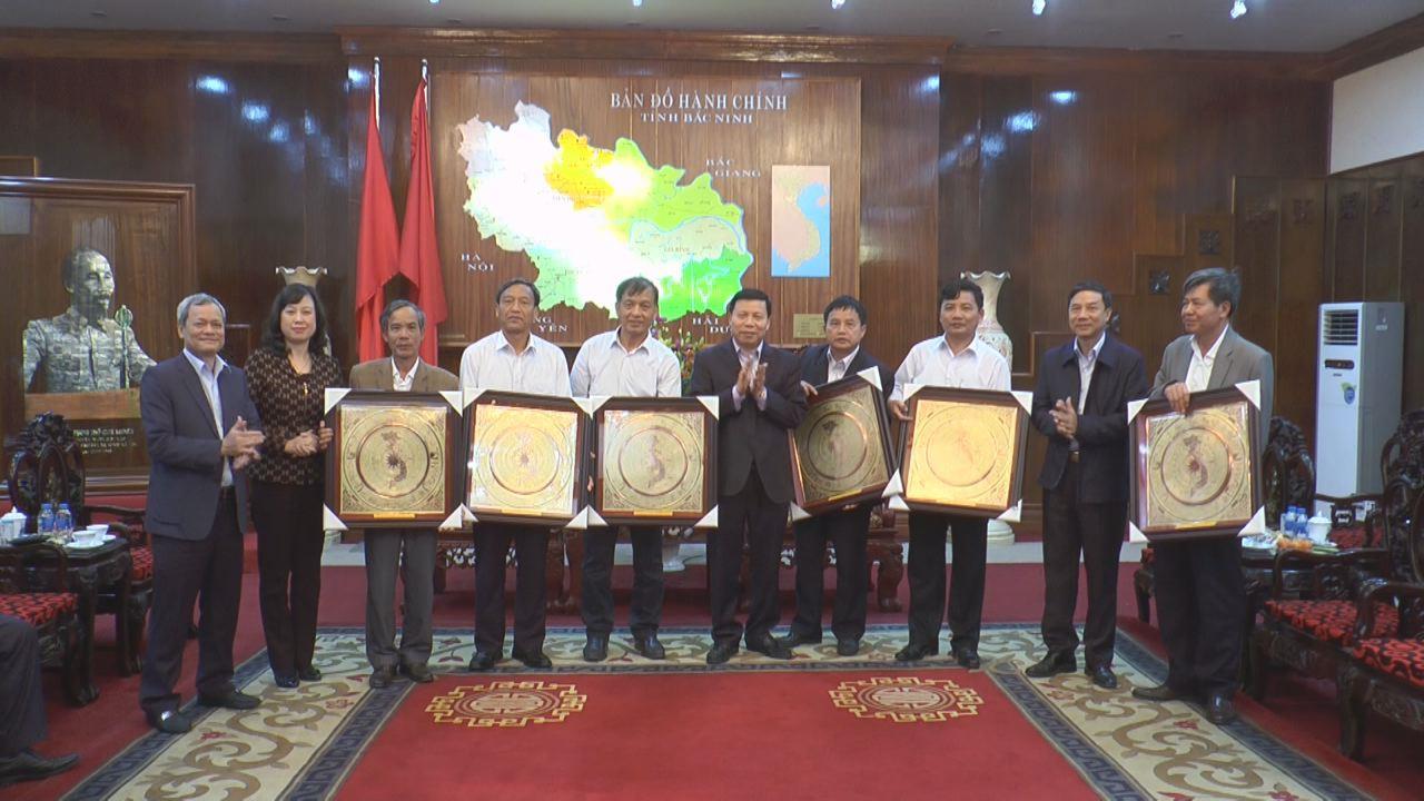 Ban Thường vụ Tỉnh ủy gặp mặt cán bộ lãnh đạo  nghỉ hưu theo chế độ và chuyển công tác