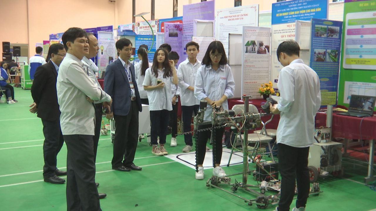 Khai mạc cuộc thi Khoa học kỹ thuật cấp tỉnh dành cho học sinh Trung học