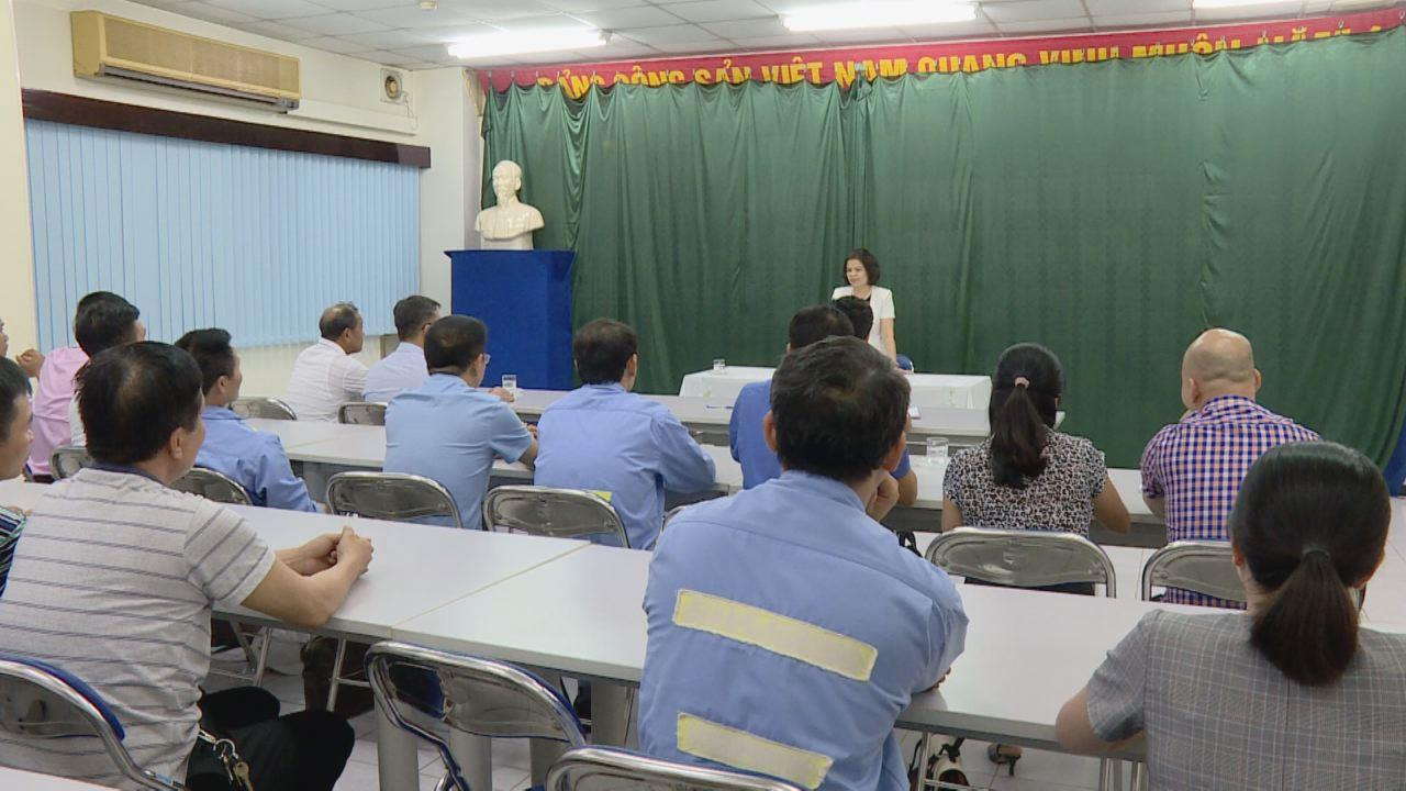 Chủ tịch HĐND tỉnh Nguyễn Hương Giang dự sinh hoạt Chi bộ cơ sở