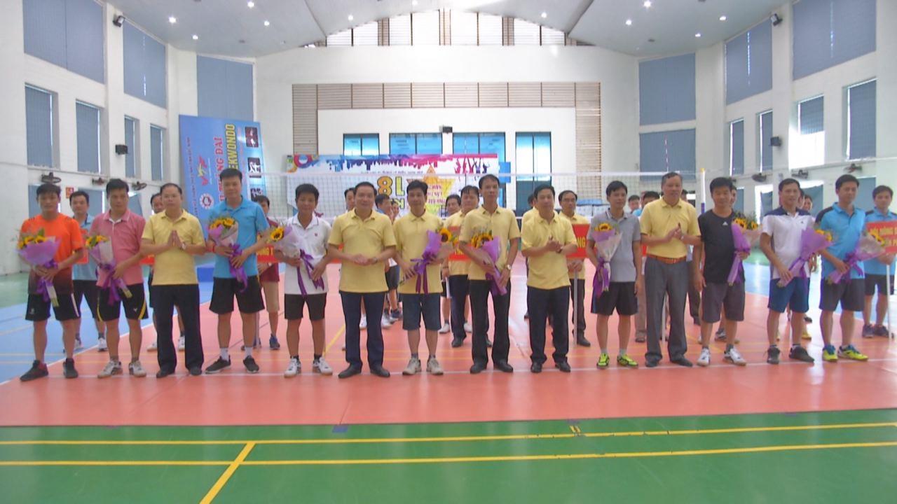 Giải cầu lông kỷ niệm 89 năm truyền thống Hội Nông dân Việt Nam