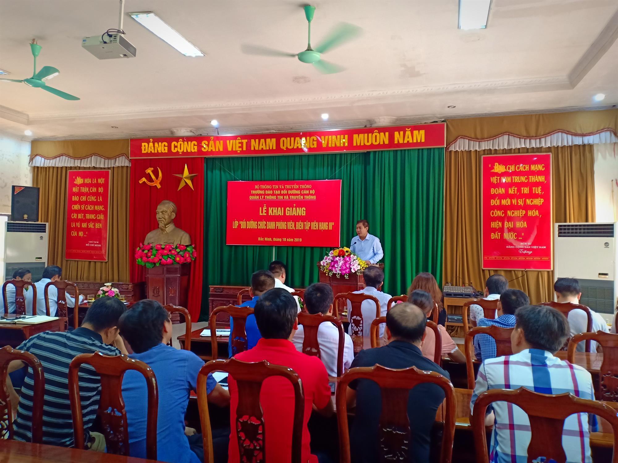 Khai giảng lớp bồi dưỡng chức danh phóng viên, biên tập viên hạng 3  tại Đài Phát thanh và Truyền hình Bắc Ninh