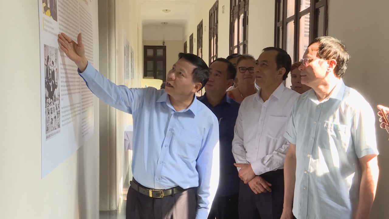 Thứ trưởng Bộ Nông nghiệp và Phát triển nông thôn kiểm tra công tác xử lý ổ Dịch tả lợn Châu Phi tại Bắc Ninh