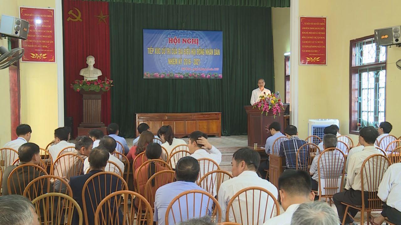 Phó Chủ  tịch UBND tỉnh Nguyễn Hữu Thành tiếp xúc cử tri xã Việt Đoàn, huyện Tiên Du