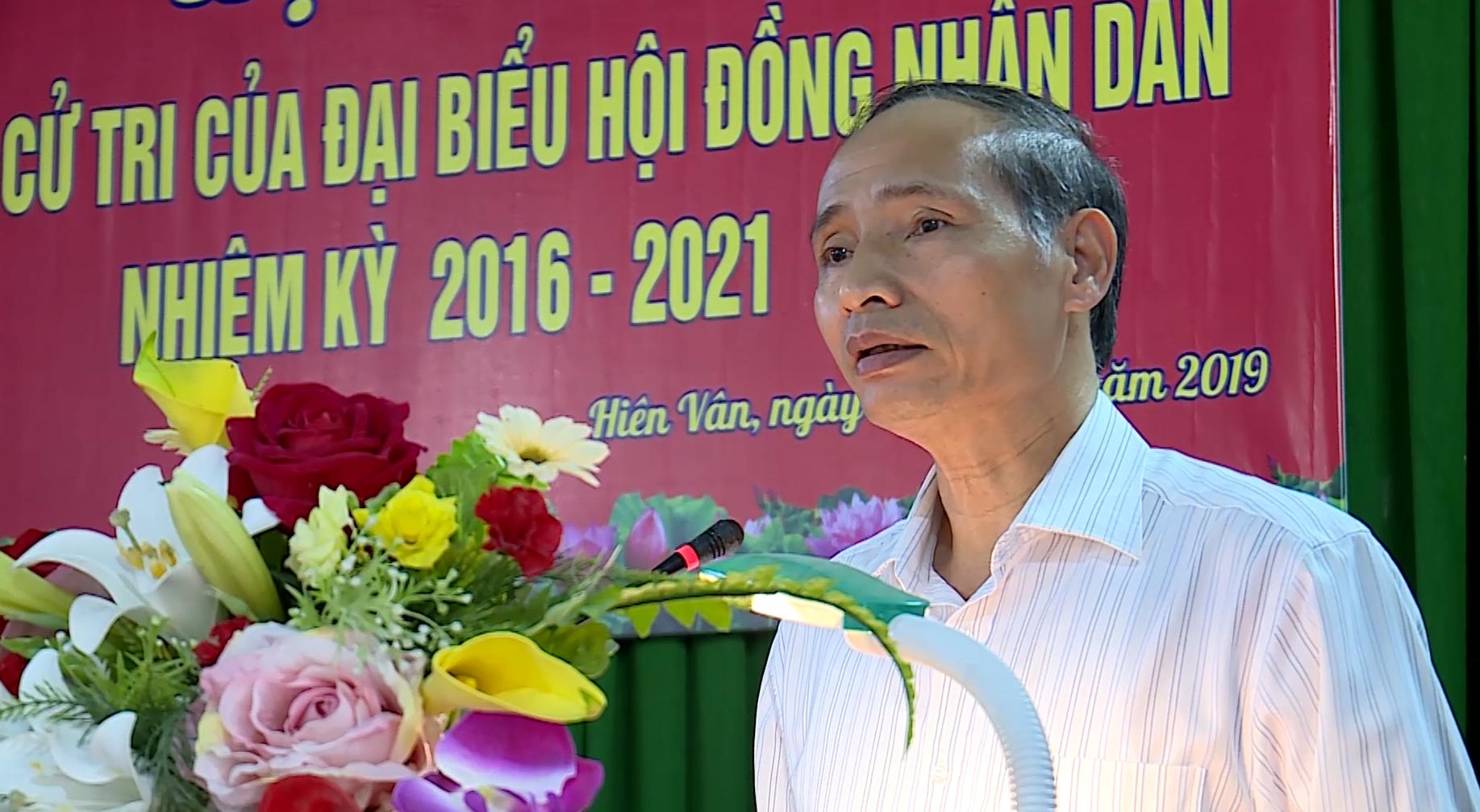 Phó Chủ tịch UBND tỉnh Nguyễn Hữu Thành tiếp xúc cử tri xã Hiên Vân