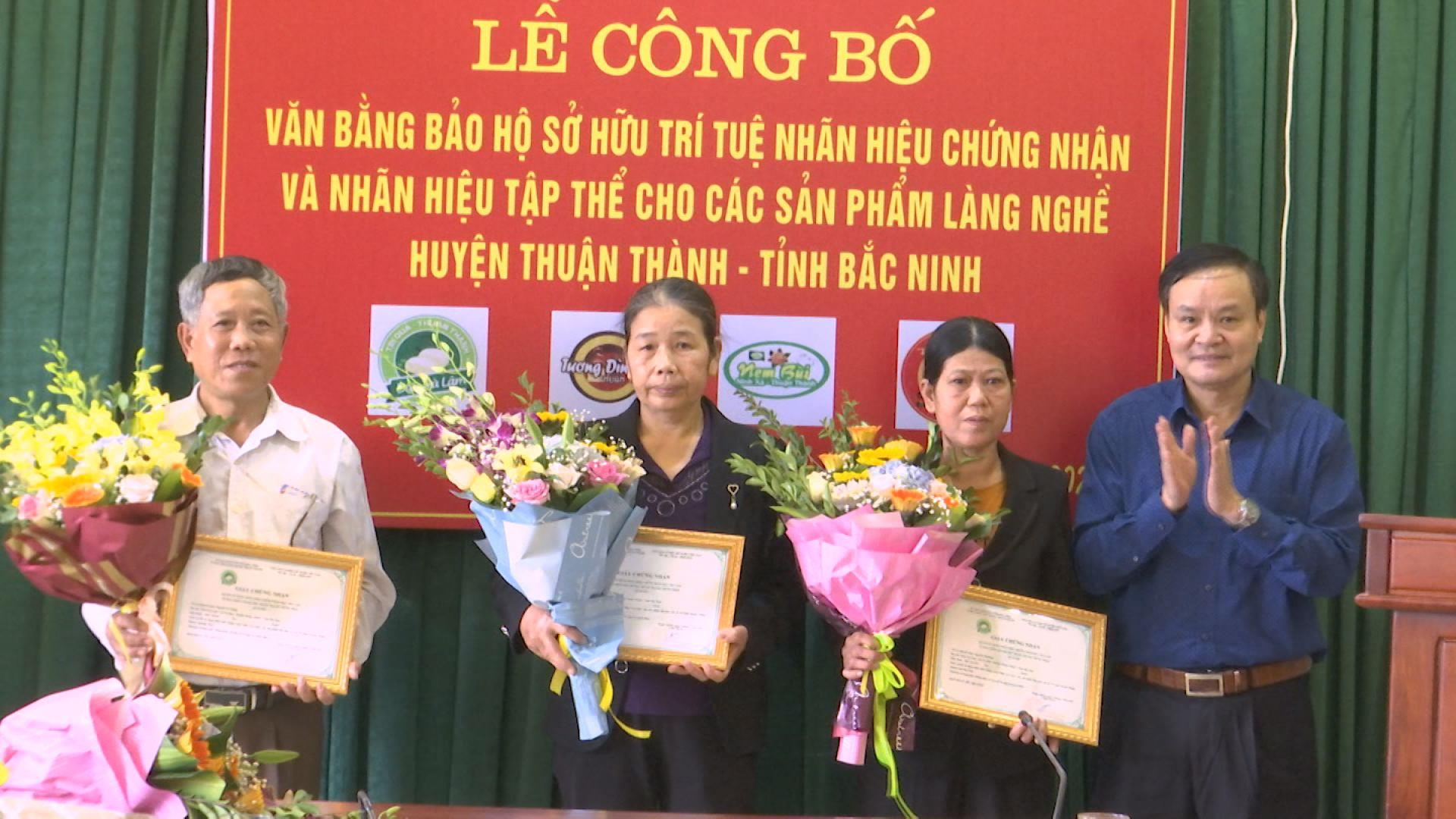 Bắc Ninh công bố văn bằng bảo hộ nhãn hiệu chứng nhận các sản phẩm làng nghề