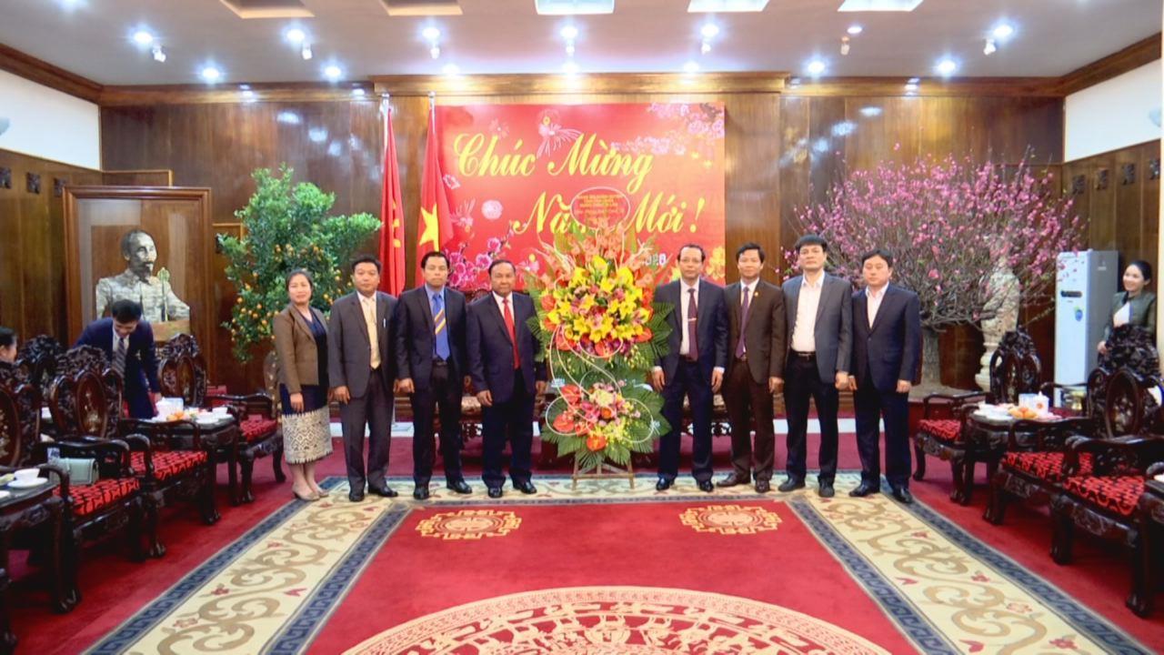 Đoàn đại biểu tỉnh Hủa Phăn (Lào) thăm, chúc Tết tỉnh Bắc Ninh