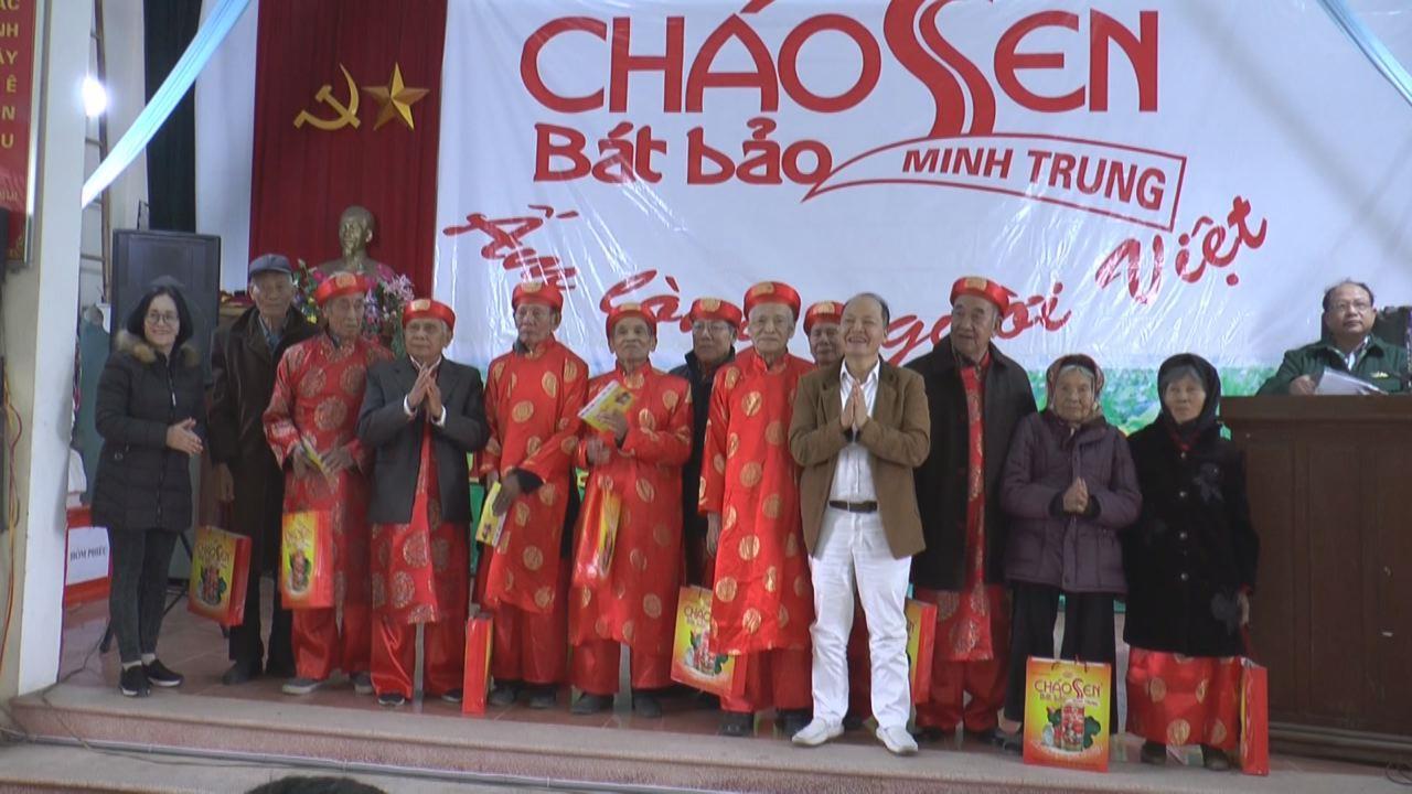 Tặng quà, thăm hỏi đối tượng chính sách tại xã Đại Lai, huyện Gia Bình